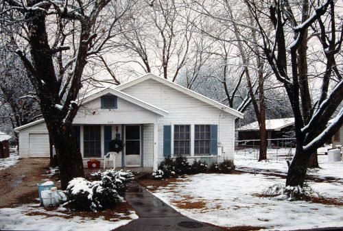 212 / House with Snow